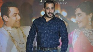 Bombay HC gives Salman two more weeks to furnish sureties