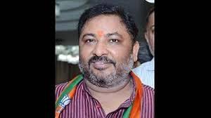 Non-bailable warrant against Dayashankar